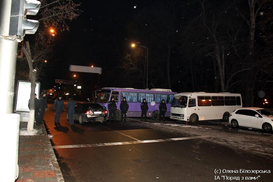 Кордони на Грушевського 13.01.2014 (ФОТО)