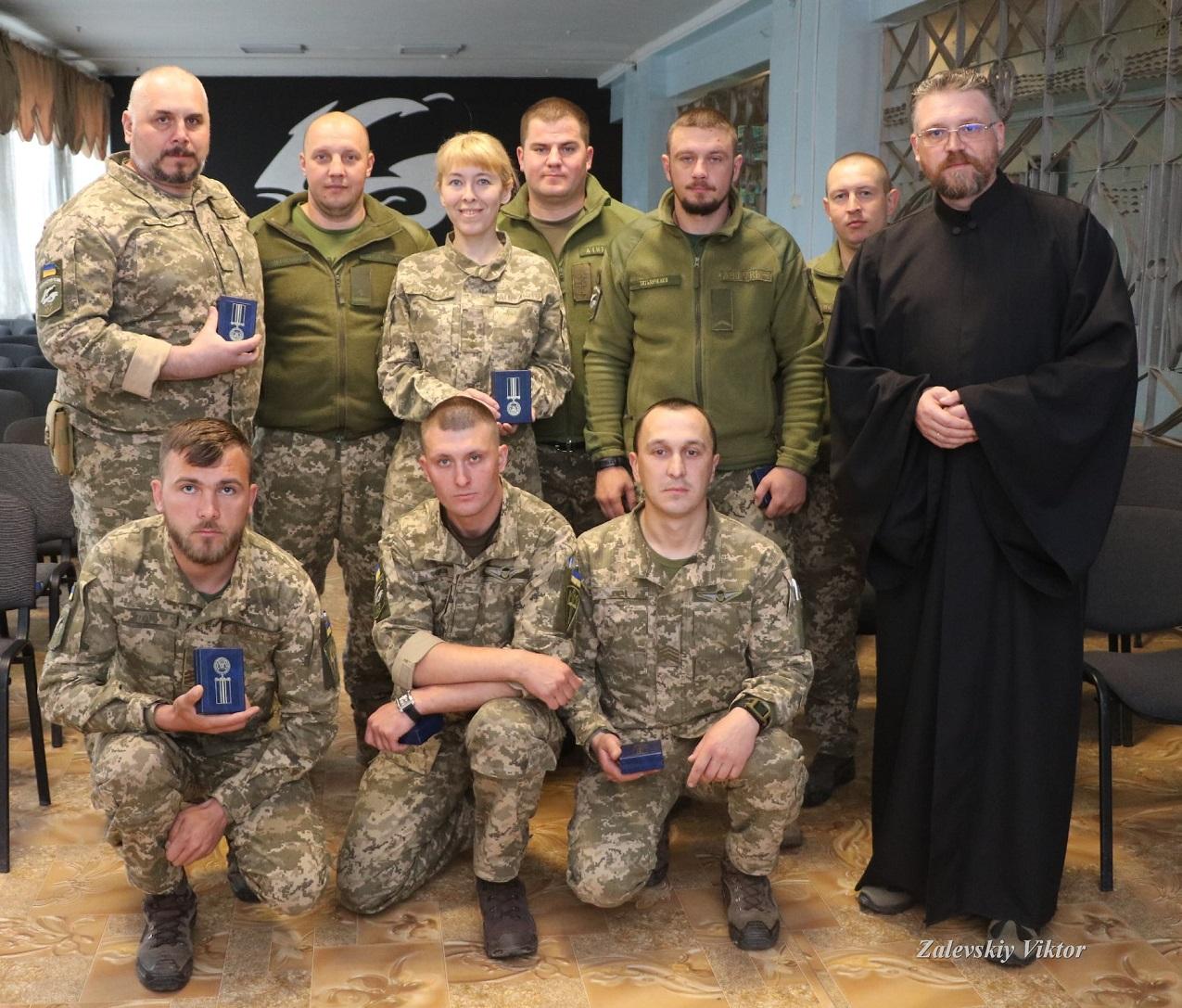 Морпіхів нагороджено медалями «За жертовність і любов до України»