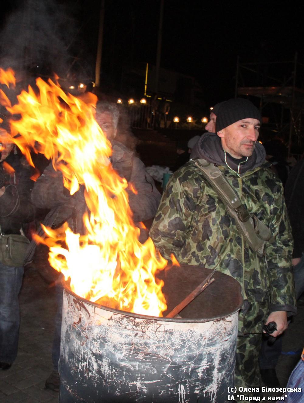 Євромайдан. Ніч на 27 листопада. Студентський страйк. Розбирання наметів на Європейській (фото, відео))
